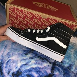 """Vanz """"off the wall"""" shoes"""